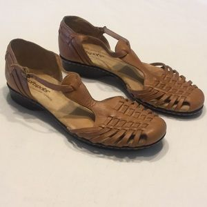 softspots Closed Toe & Heel Leather Sandals